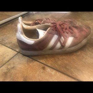 adidas pink gazelles